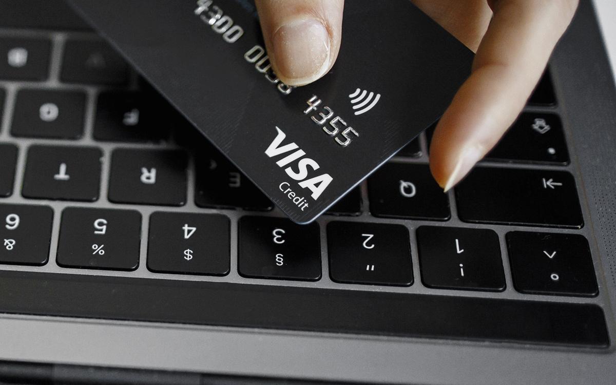 В Кремле не исключили отключения Западом в России Visa и MasterCard