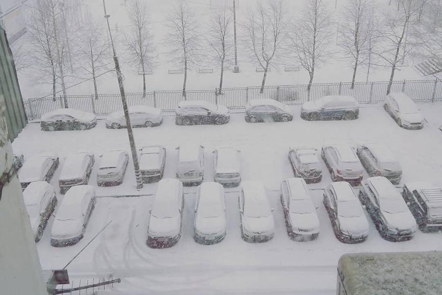 Мощный снегопад в Москве. Видео
