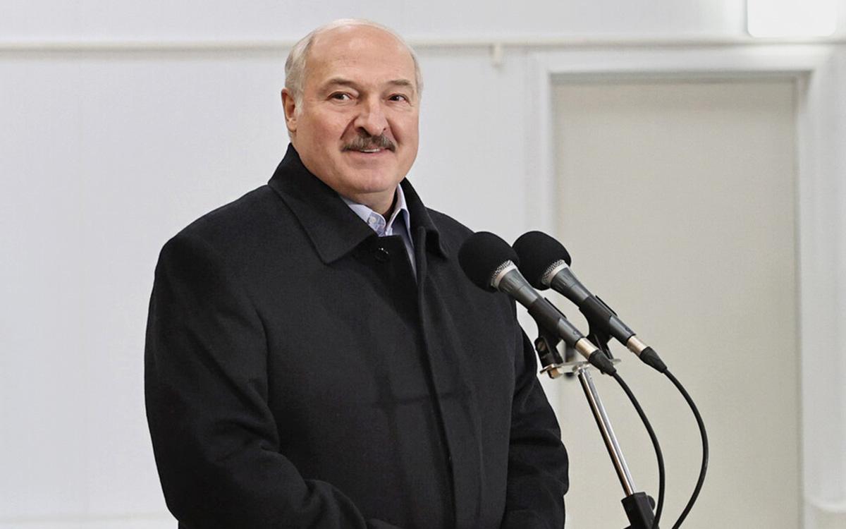 Лукашенко «гарантировал» белорусам других президентов