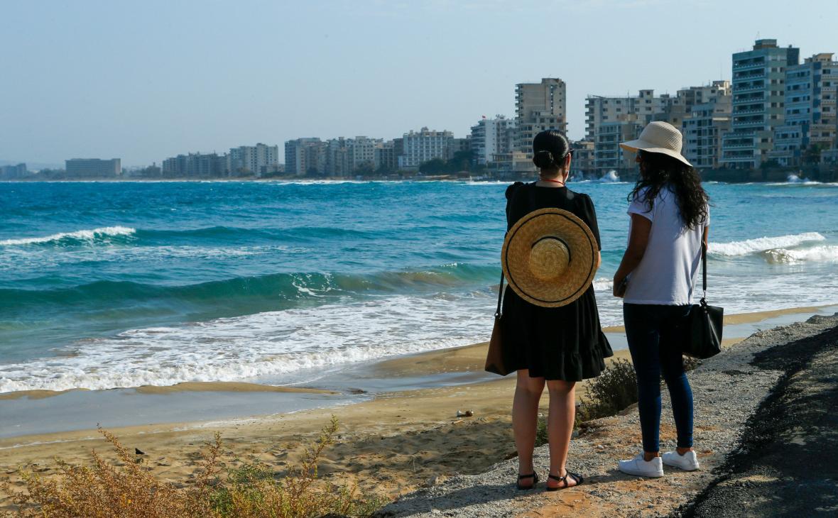 Кипр будет пускать привитых россиян без ограничений