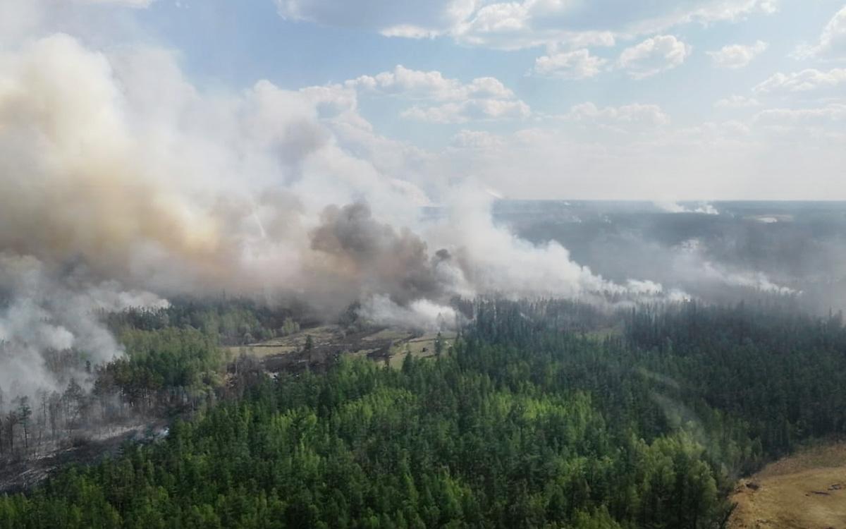 Власти Якутии опровергли призыв шаманов для прекращения лесных пожаров