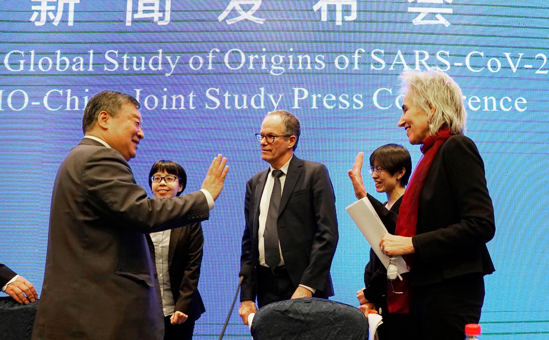 ВОЗ отказалась от публикации доклада по итогам поездки в Китай