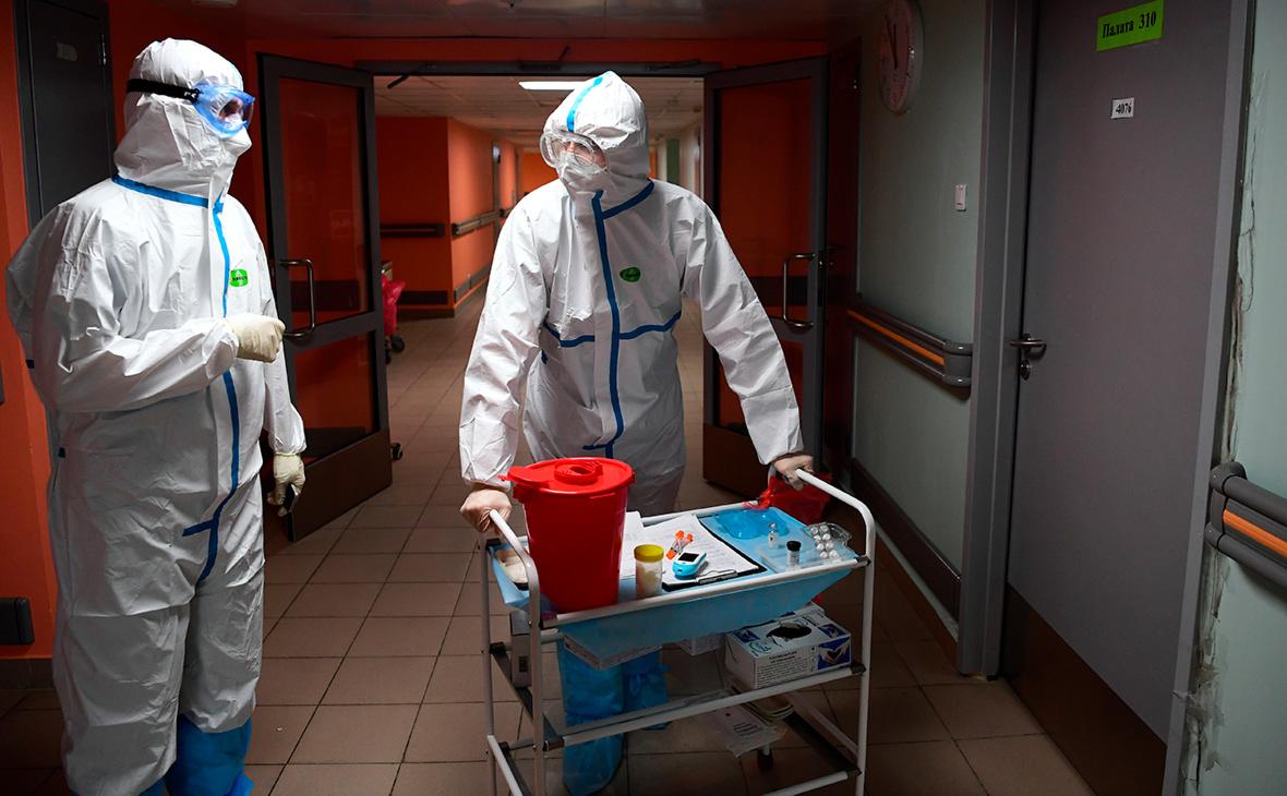 В России за сутки выявили менее 9 тыс. заразившихся коронавирусом