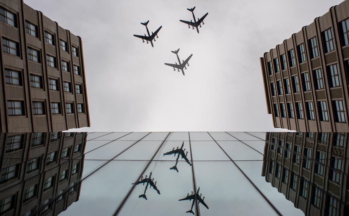 Синоптики предупредили об угрозе срыва воздушного парада в Москве