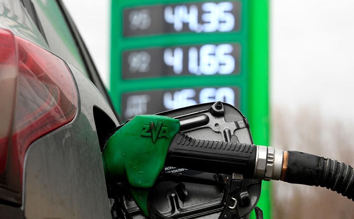 Правительство поменяет формулу цены на бензин с 1 мая