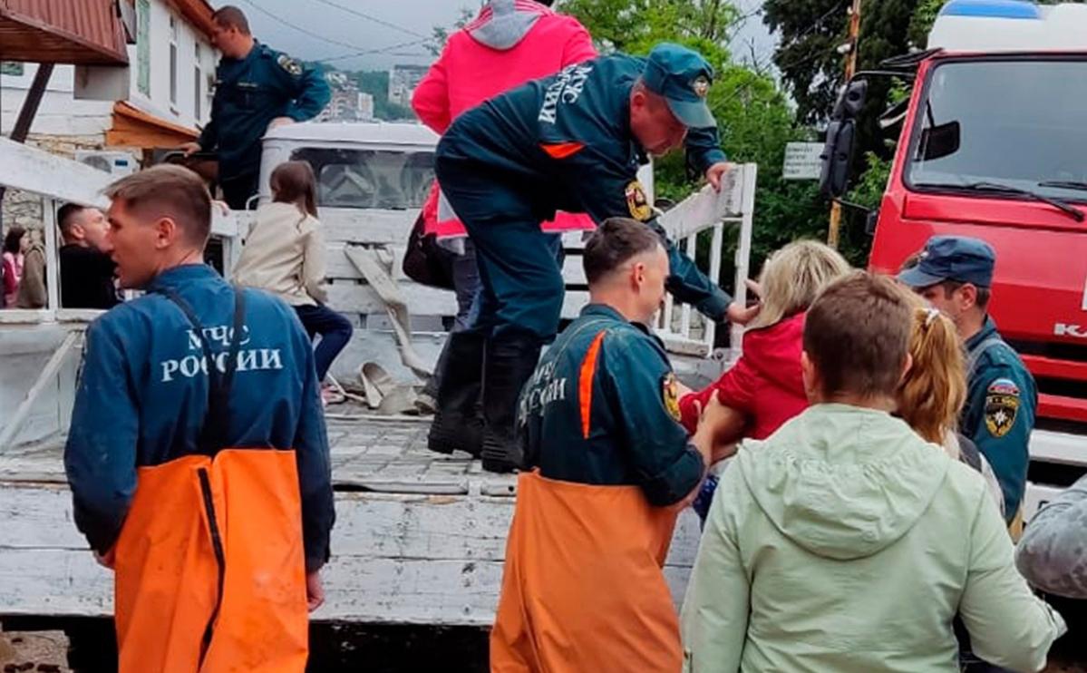 Режим ЧС ввели еще в двух районах Крыма