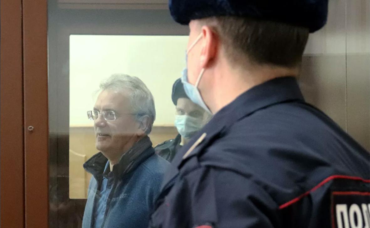 Суд отказался выпускать экс-губернатора Пензенской области из-под ареста