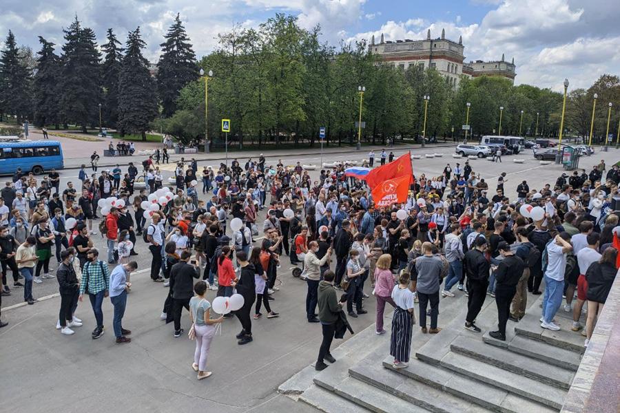 У МГУ задержали участников акции в защиту просветительской деятельности