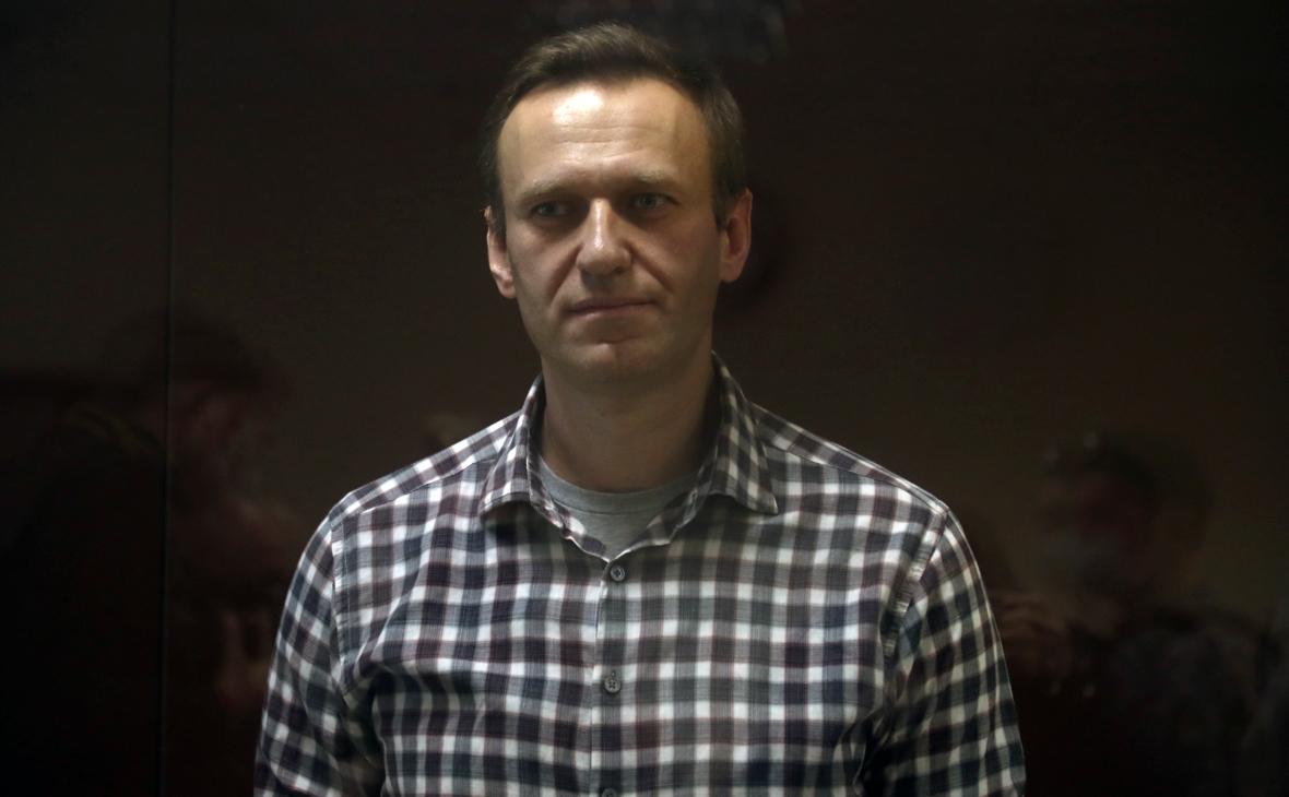 Навальный повторно подал иск к Пескову
