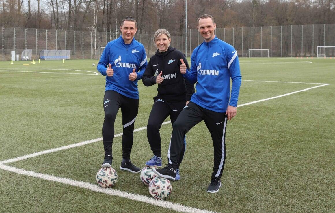 Быстров провел тренировку с женской командой «Зенита»