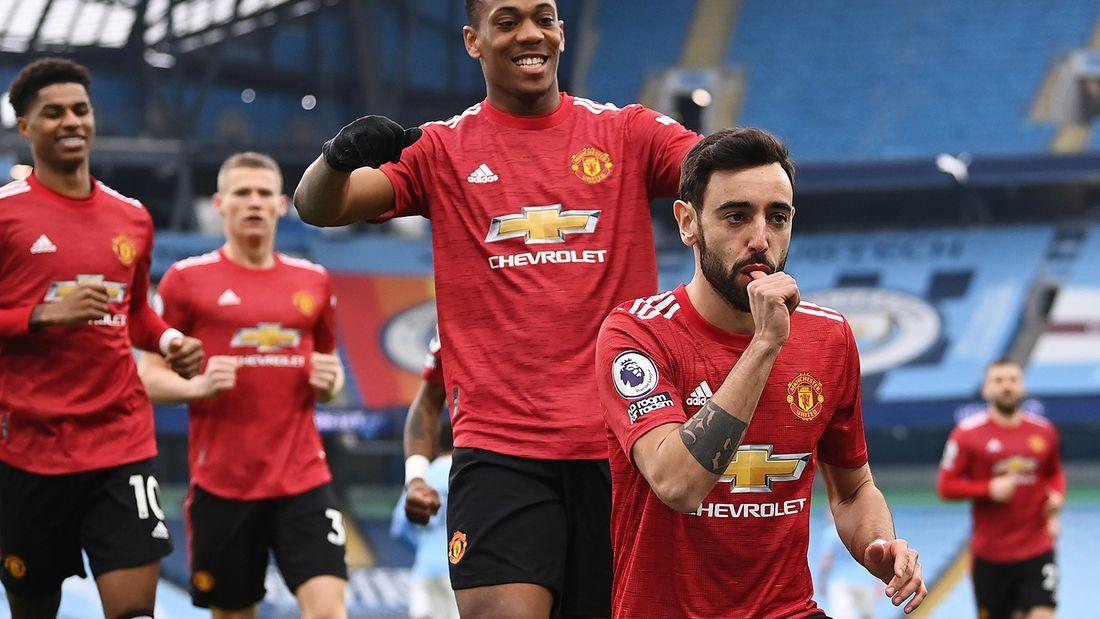 «Манчестер Юнайтед» на выезде обыграл «Манчестер Сити», прервав 19-матчевую беспроигрышную серию «горожан» в АПЛ