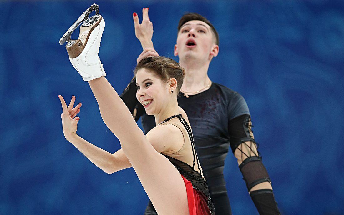 Опубликовано видео победной короткой программы Мишиной и Галлямова на командном чемпионате мира