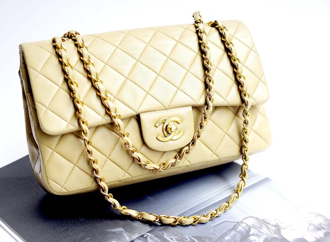 Chanel отсудил у россиянки 4 млн рублей за торговлю поддельными сумками без разрешения