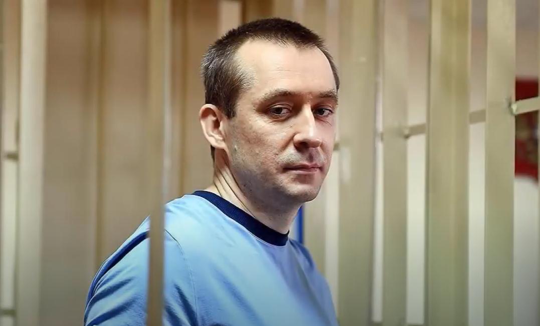 Адвоката полковника-миллиардера Захарченко задержали за передачу взяток