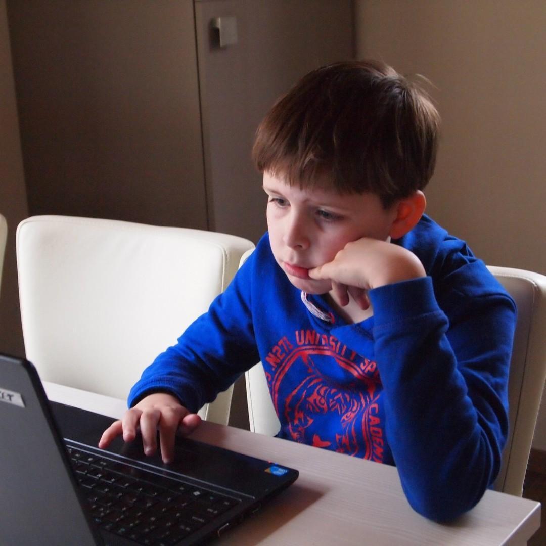Для российских школьников создадут учебник по налогам