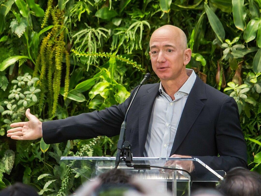Основатель Amazon заработал $99 млрд и заплатил меньше 1% подоходного налога
