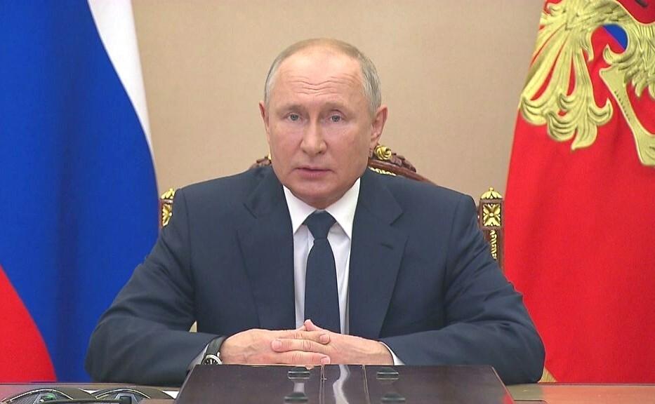 Путин отказался подписывать закон о наказании СМИ за чужие фейки