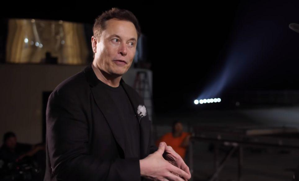 Маск оказался в центре скандала из-за твита трёхлетней давности