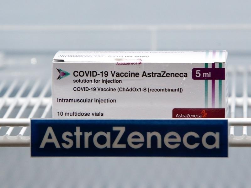 В Великобритании 30 случаев тромбоза на 18,1 млн прививок вакциной AstraZeneca