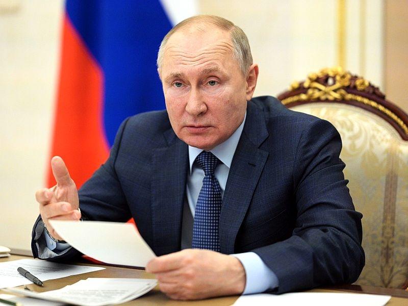 СМИ: Путин подготовил для россиян хорошие новости в своём послании