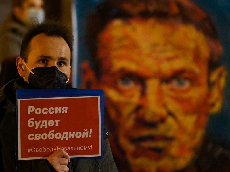 Немецкие депутаты отправили Навальному письмо. Они 'полностью солидарны' с ним