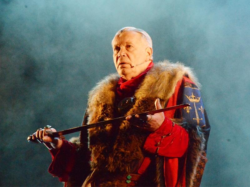 В возрасте 76 лет скончался актер театра и кино, телеведущий Олег Марусев