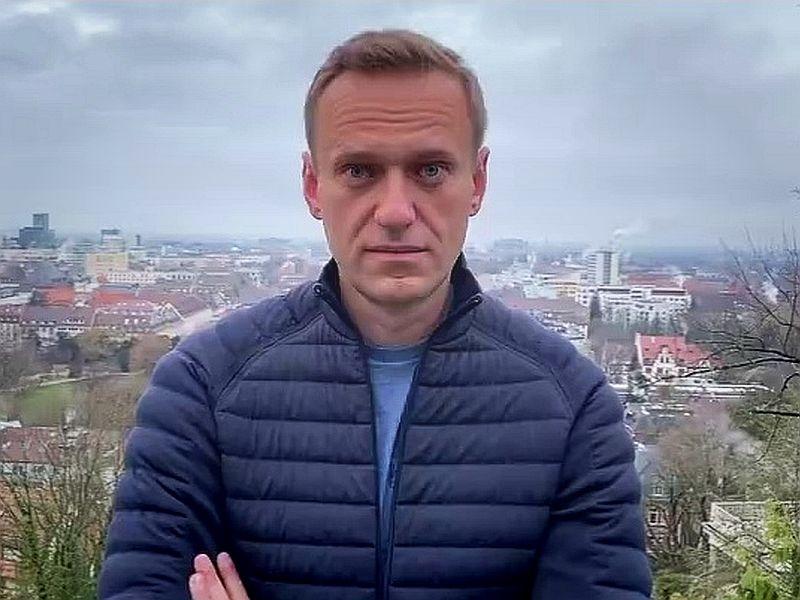 Защита Навального: РФ обязана исполнить требование ЕСПЧ об освобождении политика