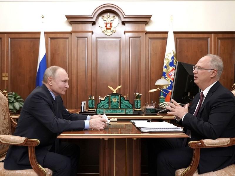 'В политической тусовке уже шепчутся': названо имя главного кандидата в 'преемники' Путина