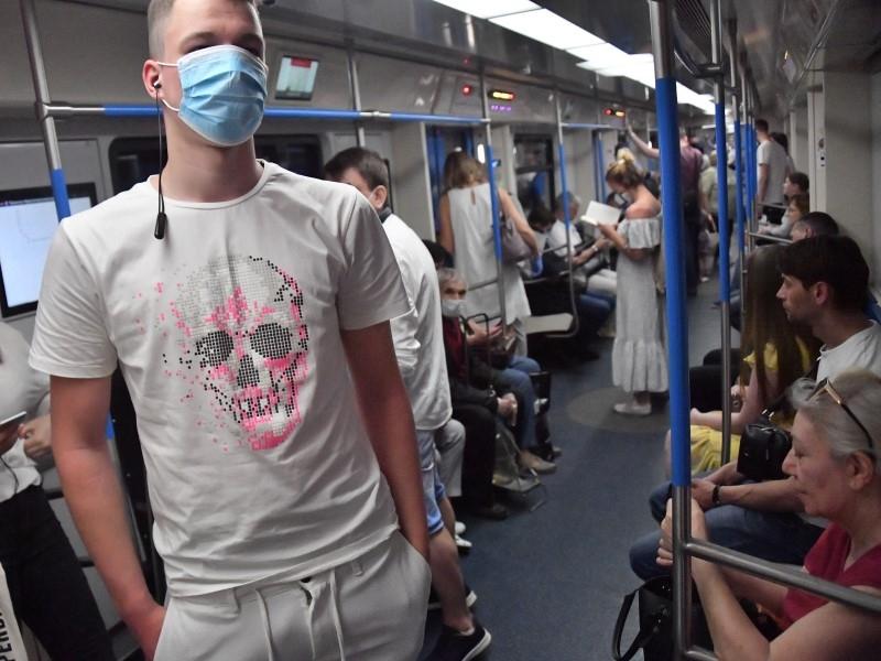 Московское метро потратит 95 миллионов за 485 дней благоухания в 1944 вагонах