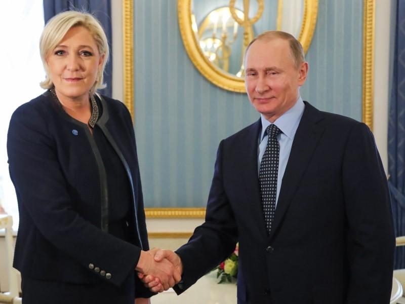 Песков дополнил рассуждения Путина о неонацизме в Европе