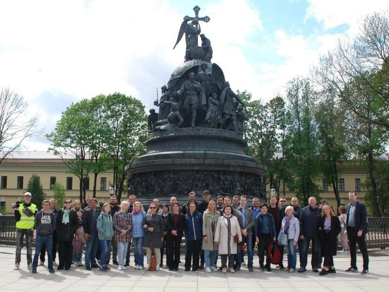 'Земский съезд' начинается в Новгороде, несмотря на козни губернатора