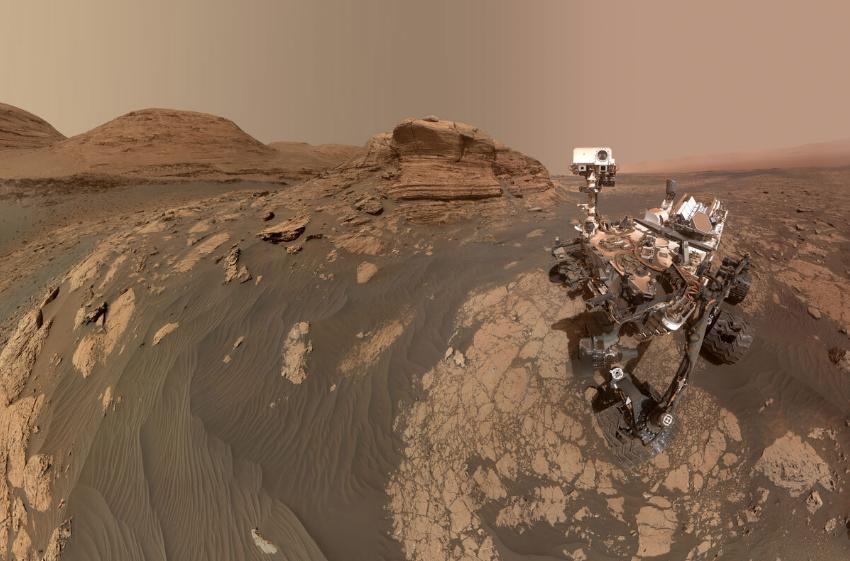Curiosity прислал на Землю снимки с поверхности Марса: зачем фотографии нужны ученым