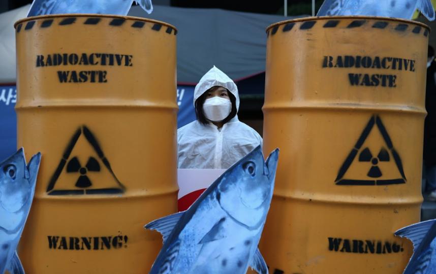 Японцы не собираются травить рыбу в океане
