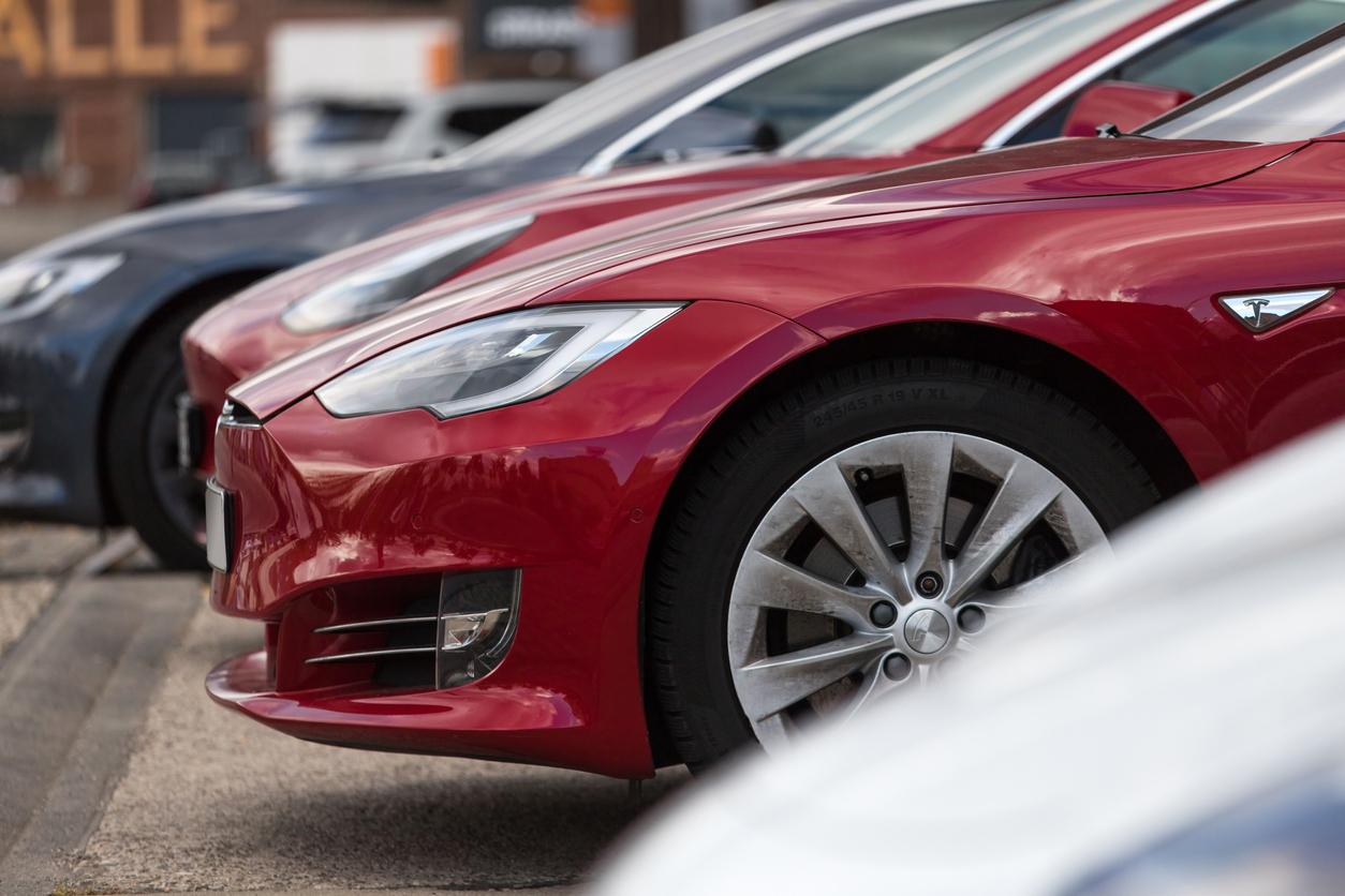 У Tesla возникли сложности с наймом топ-менеджеров и инженеров в Германии — несмотря на зарплаты до $357 тыс.