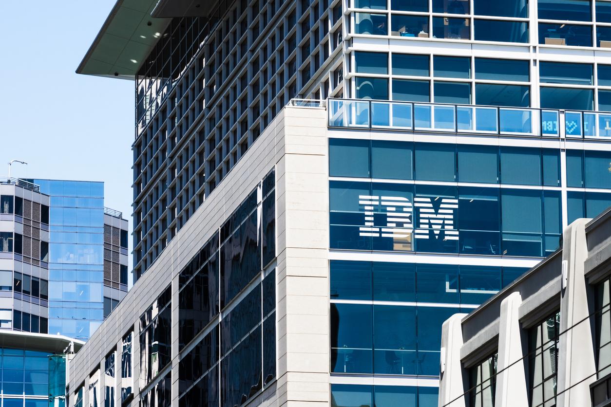 IBM разрешит 80% сотрудников работать в гибридном формате и сократит количество офисов
