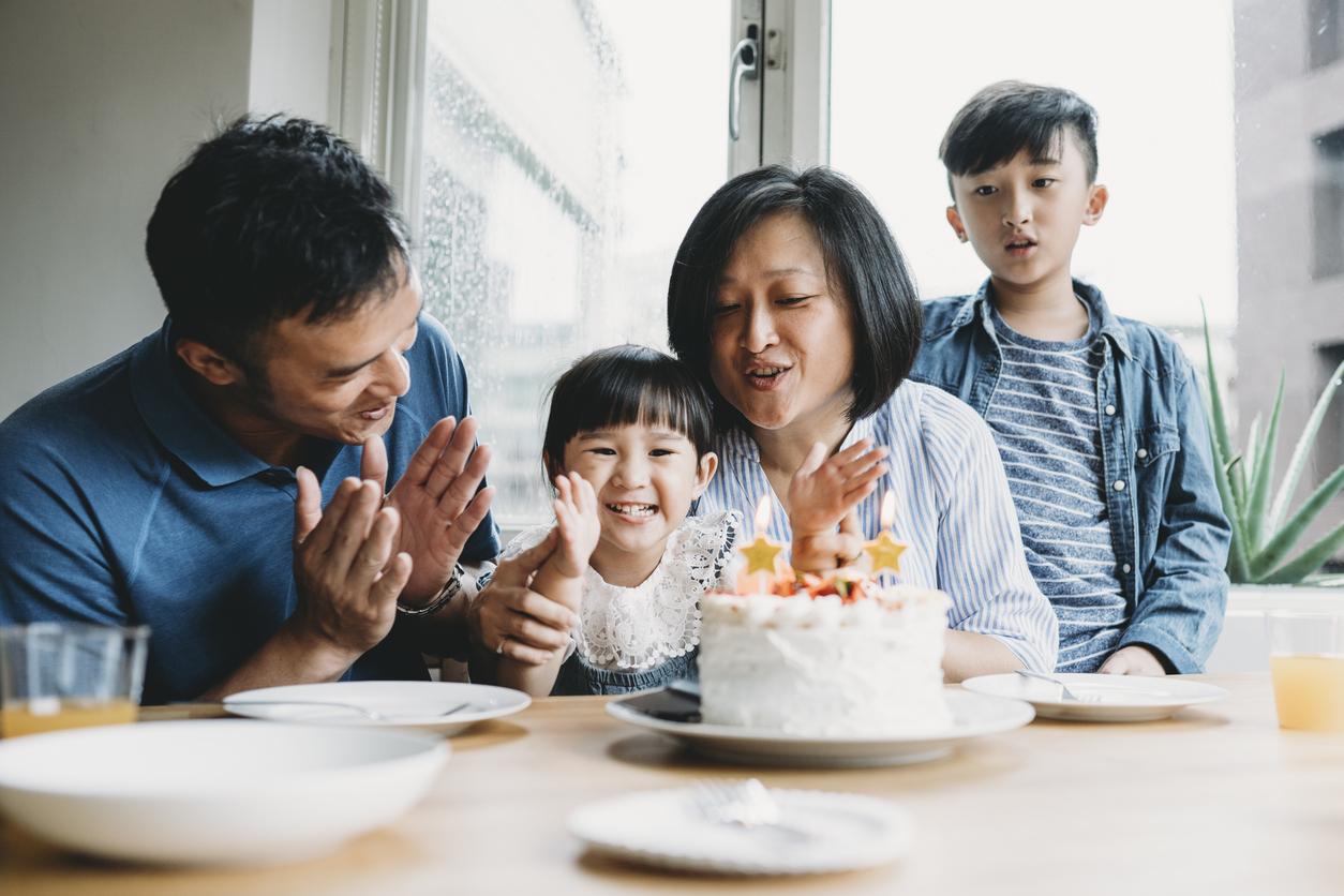 В Китае разрешили семьям иметь до трех детей