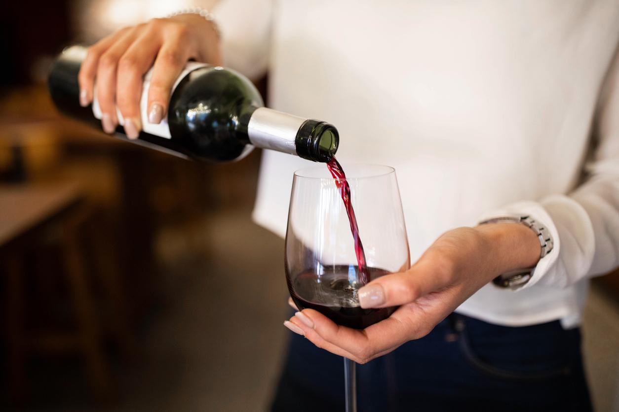 Побывавшую в космосе бутылку вина выставили на продажу за $1 млн