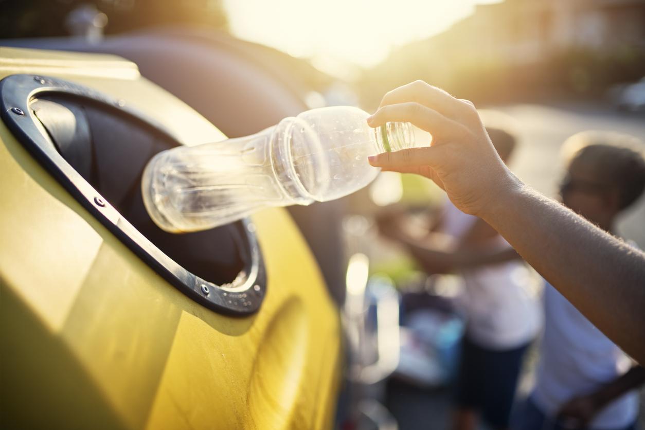 Coca-Cola и Nestle предложили закупить тысячи контейнеров для раздельного сбора мусора