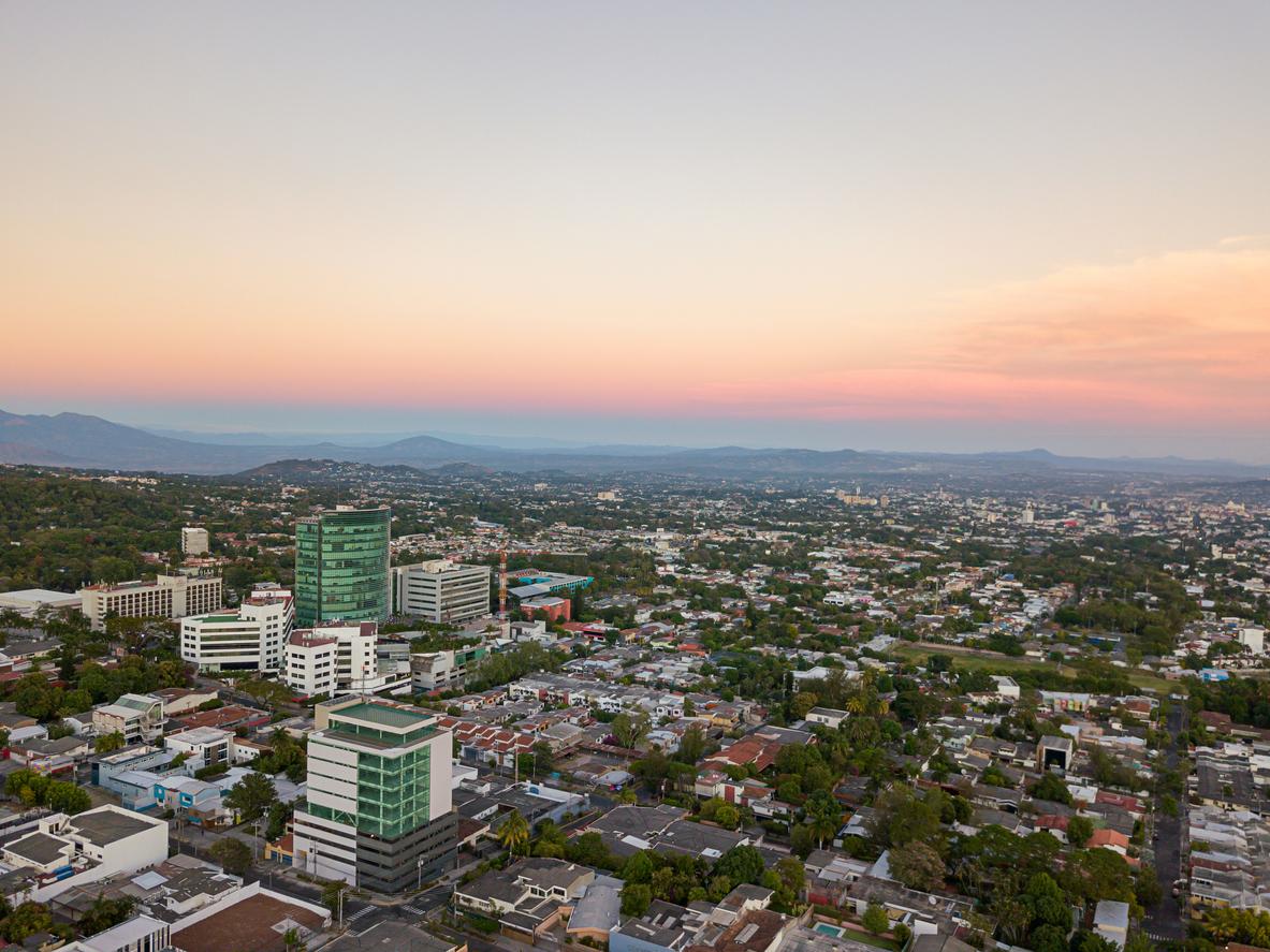 Сальвадор первым в мире признает биткоин законным платежным средством