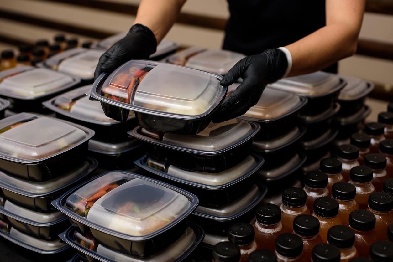 Исследование: сервисы доставки еды могут сократить использование неперерабатываемой упаковки только до 30%