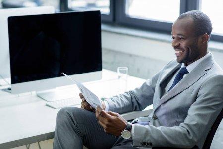 Внутри статуи испанского динозавра найден труп мужчины