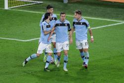 «Лацио» забил четыре мяча «Дженоа», но едва не упустил победу