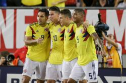 Колумбия разгромно обыграла Перу, Уругвай сыграл вничью с Парагваем