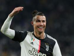 Роналду побил рекорд Пеле и получил поздравления от «Короля футбола»