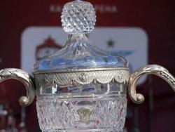 Фанаты «Локомотива»забросали поле бутылками в финале Кубка России