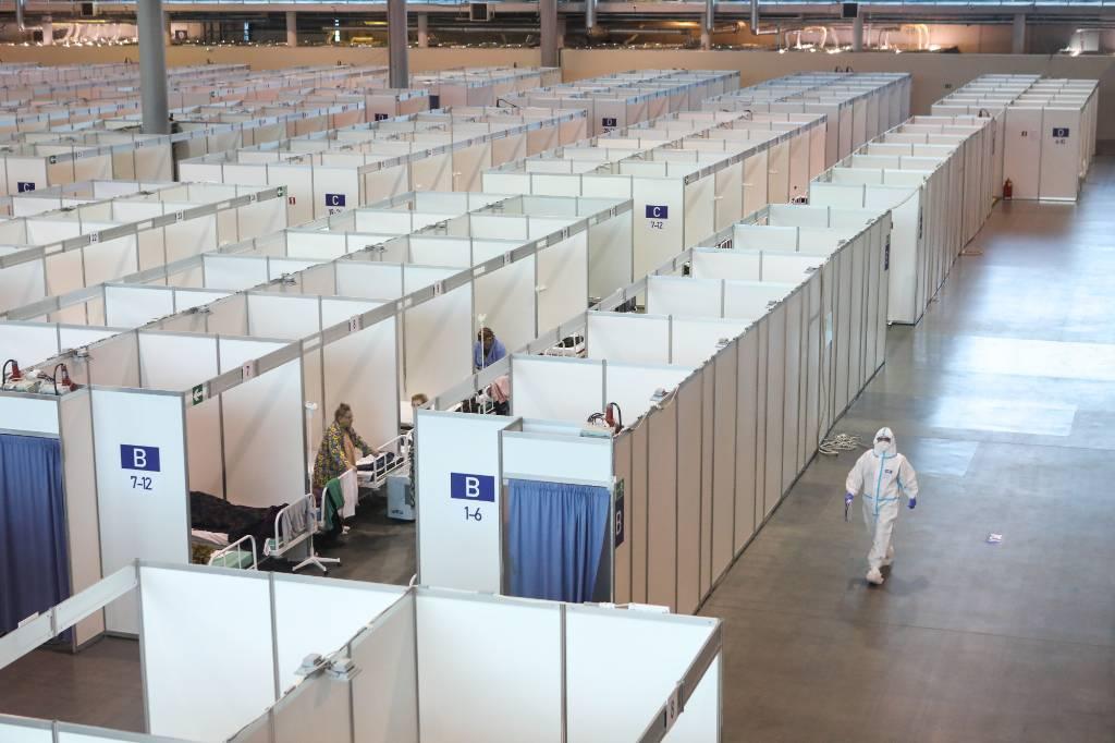 В Петербурге разворачивают более 400 дополнительных коек для пациентов с коронавирусом