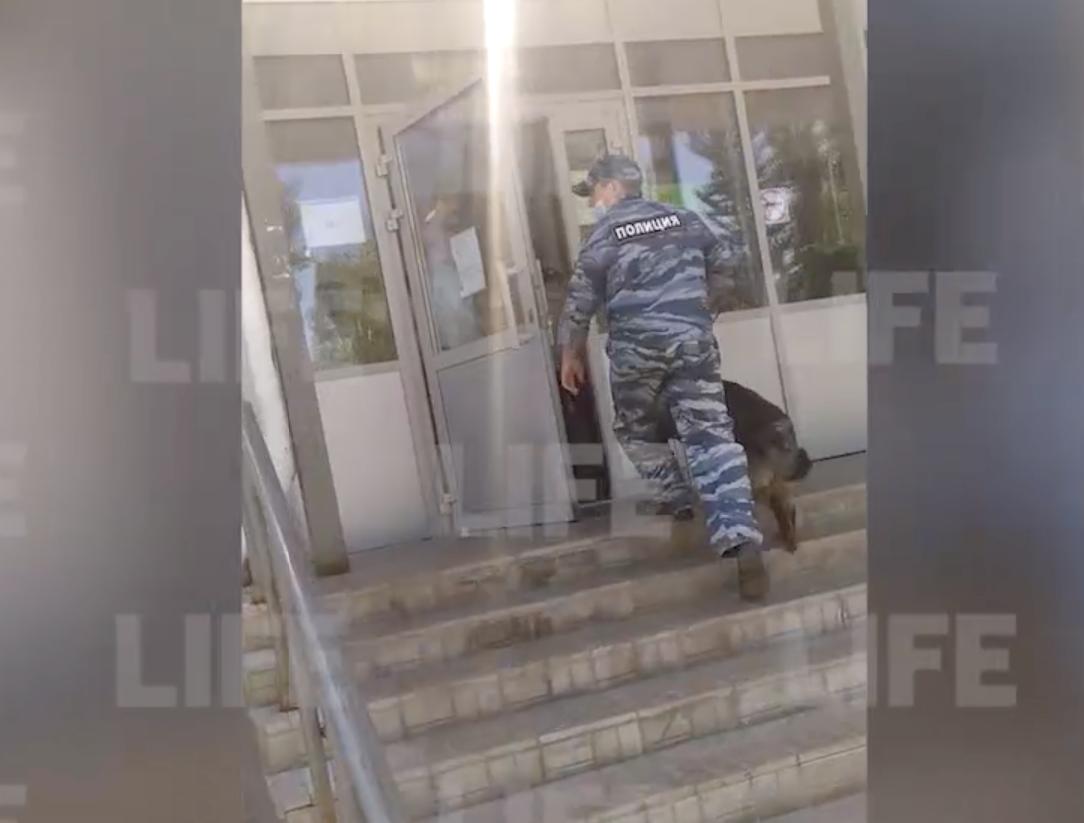 Гимназию в Казани эвакуировали из-за ученика, пригрозившего 'убить одноклассника, как Галявиев'