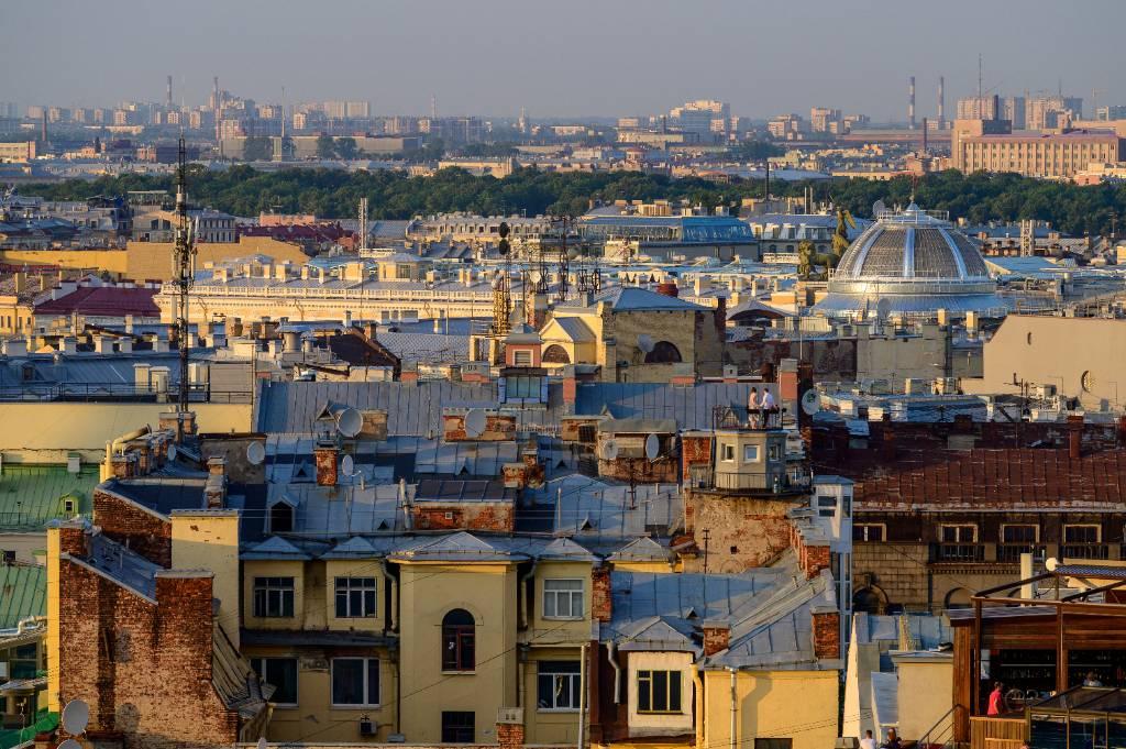 'Обезбашенные от лёгких денег': Руфер рассказал, как в Петербурге нелегальные гиды дерутся за крыши