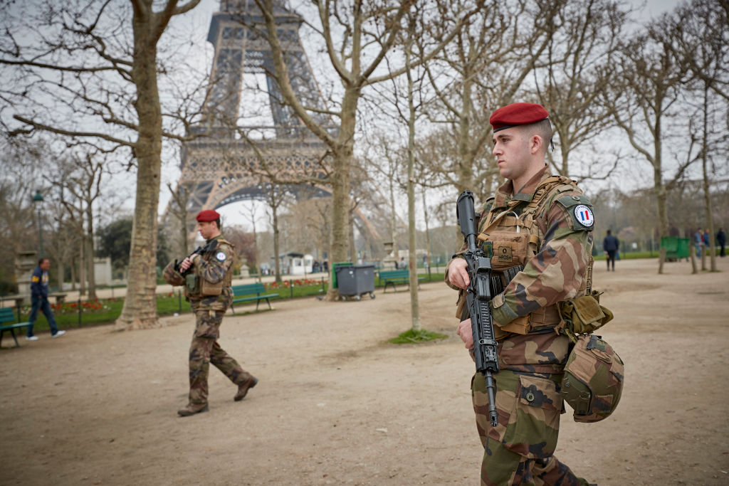Политолог Марков оценил шанс начала гражданской войны во Франции