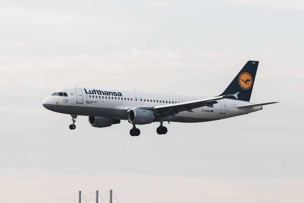 Сообщение об угрозе теракта на рейсе Lufthansa в Минске не подтвердилось